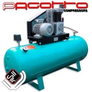 SilAir PAGOTTO-Kolbenkompressor mit einem Motor , Druckschalter und Manometer an einem türkisem Drucklufttank