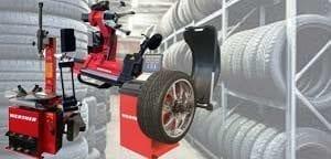 Reifenmontiergeräte und Auswuchtgeräte für die Werkstatt